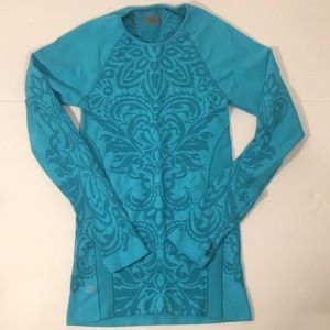 Athleta long sleeved turquoise top shirt workout